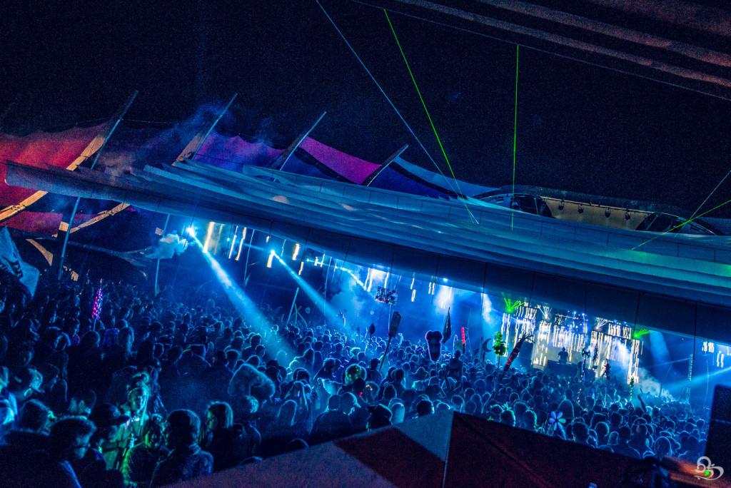 Thunder Stage Crowd LIB