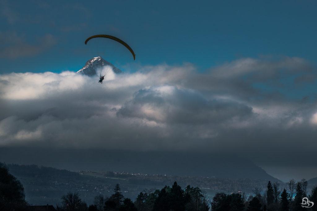 Paragliding interlaken swiss alps