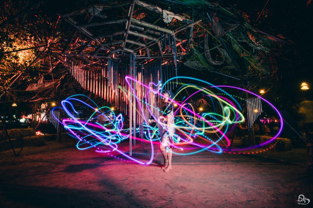 flow toy light art